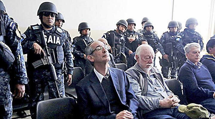 Detenidos expresidente Colom y 8 exministros por corrupción — GUATEMALA