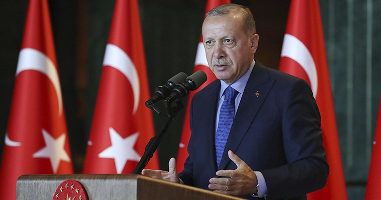 Turquía toma represalias e impone aranceles a productos de EUA