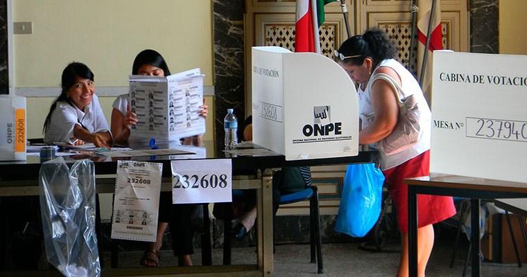 ONPE alista mesas para los peruanos en el exterior