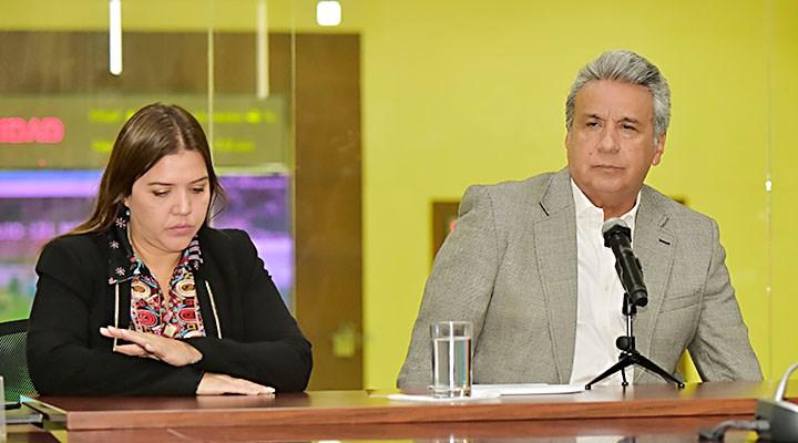 Retiran funciones de vicepresidenta de Ecuador por presunta corrupción