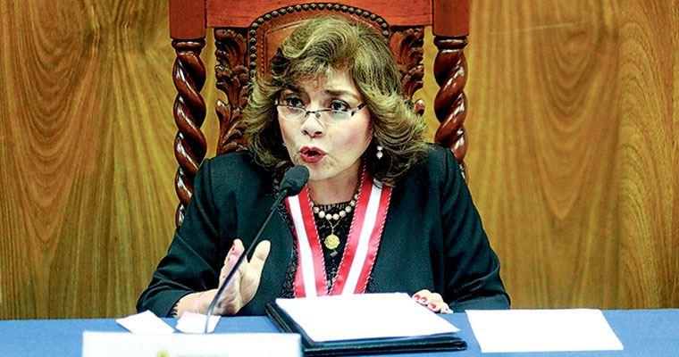 Zoraida Ávalos asume Fiscalía y la declara en emergencia