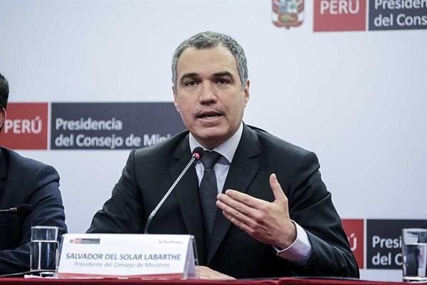 Golpe del presidente de Perú a la oposición con apoyo del Congreso