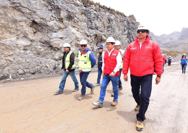 Supervisan avances en la carretera Oyón-Ambo - El Peruano